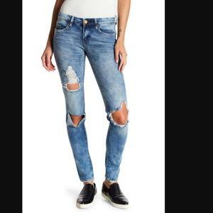 Blank NYC Destructed Skinny Jeans Medium Wash Rip